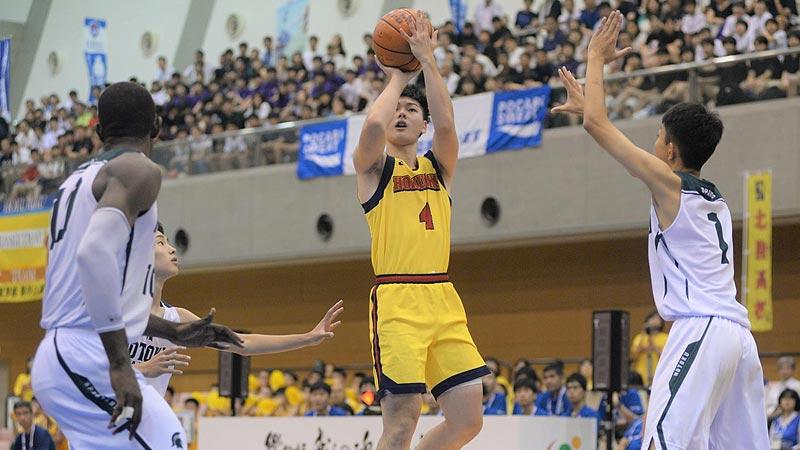 スタメンのポイントガードとして、ゲームを安定させる役割を担った伊藤瑠偉キャプテン