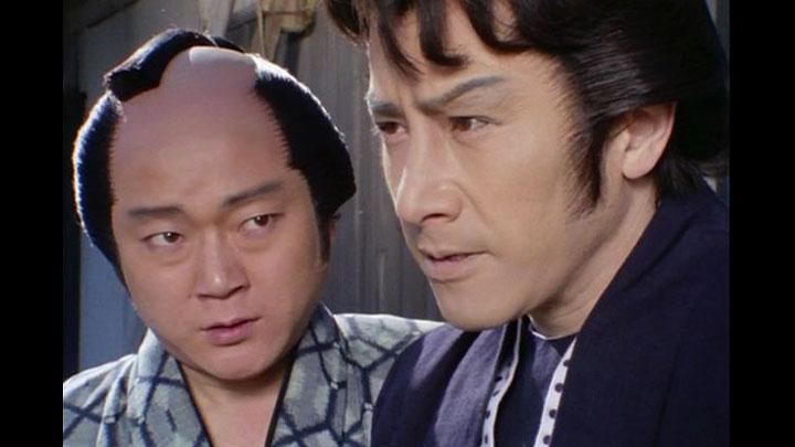 若さま侍捕物帳の第13話「参上!!赤い影法師」