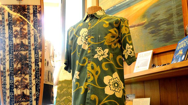 本場ハワイで美しいアロハシャツを手に入れよう