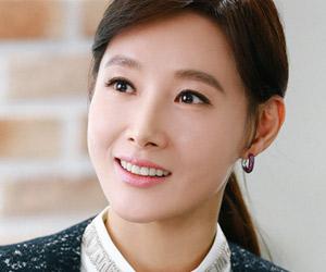 キム・ヒョンジョン役: ド・ジウォン