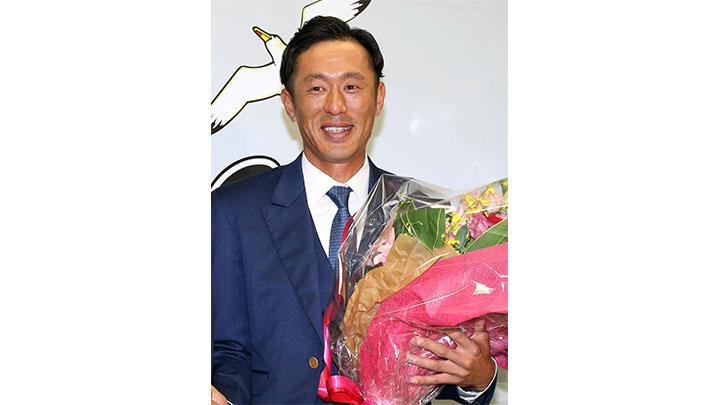 引退のロッテ・岡田が追い続けた福浦の背中