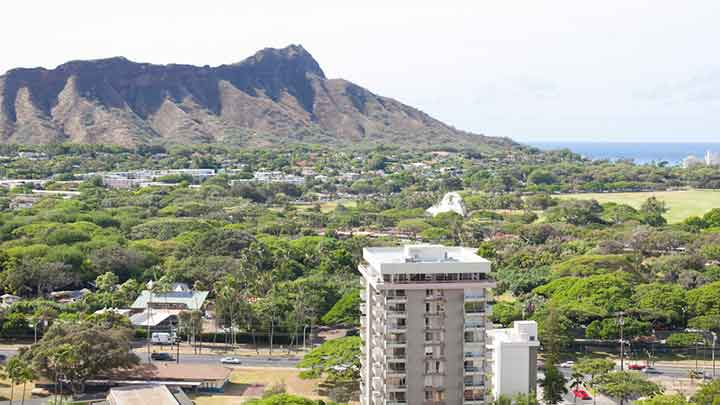 ハワイアンパワーを求めて山頂へ ダイヤモンドヘッド Diamond Head