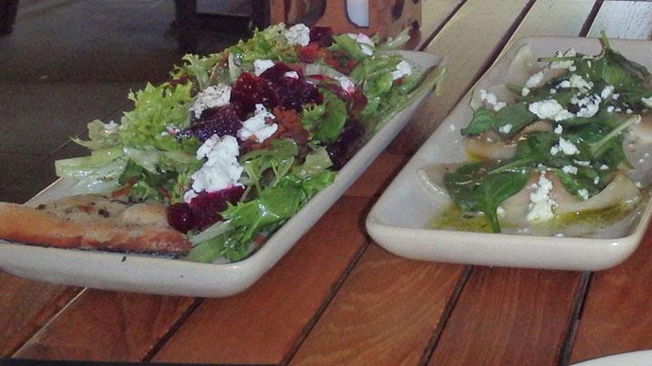 味も雰囲気も高評価な実力派レストラン モンキーポッド・キッチン