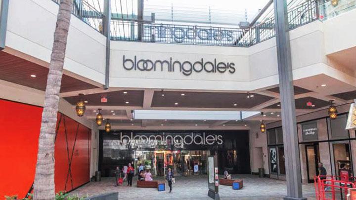 ロゴ入りのオリジナルグッズが人気ブルーミングデールズ/bloomingdale's