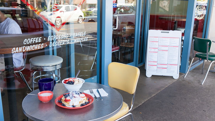 ボガーツ・カフェ/Bogart's Cafe