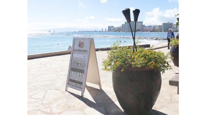 ベアフット・ビーチ・カフェ/Barefoot Beach Cafe